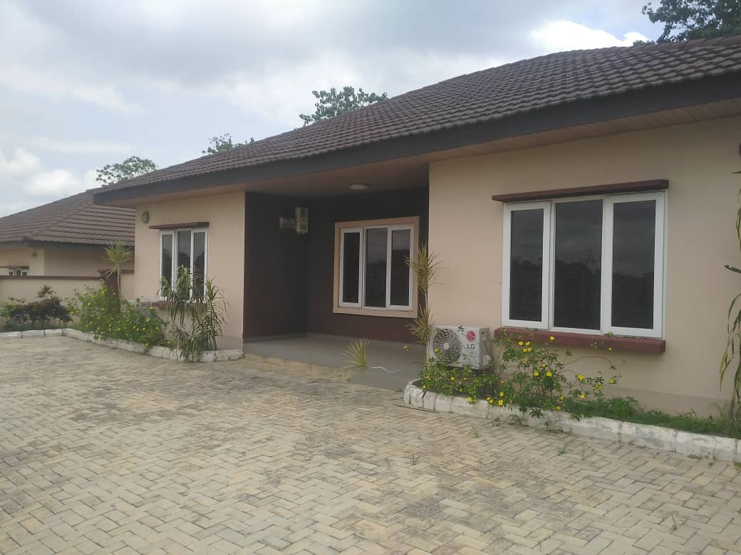 4 BEDROOM BUNGALOW AT LEGACY ESTATE AKOBO