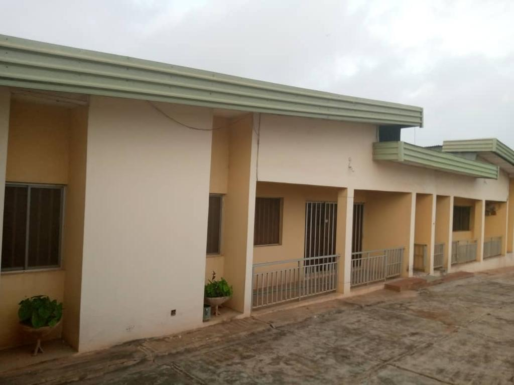 Twin bungalow of 3 bedrooms apartment with a BQ on 900sqm land for sale asking #45m